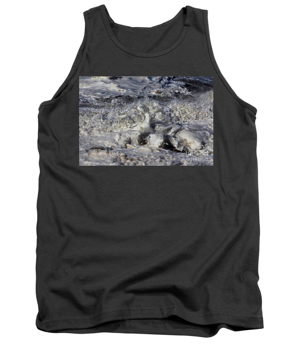 Momentary Water Sculptures Tank Top featuring the photograph Splashy Incantations Of A Momenary Water Sculpture by Wernher Krutein