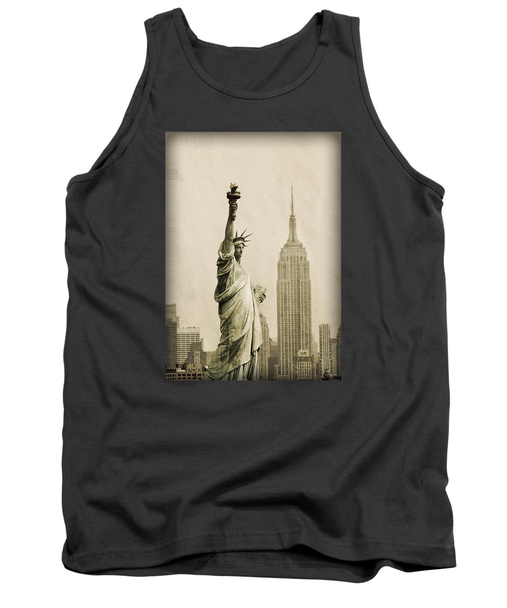 New York Tank Top featuring the photograph Statue Of Liberty by Richard Bartlett