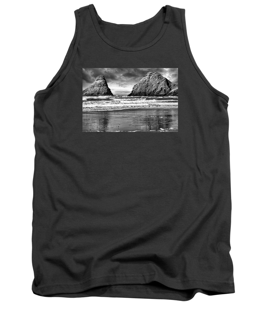Lighthouse Tank Top featuring the photograph Storm On The Rocks by Diana Powell