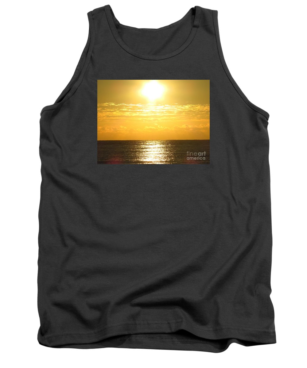 Sunrise Tank Top featuring the photograph Sunrise Over The Ocean8833 by T Powell