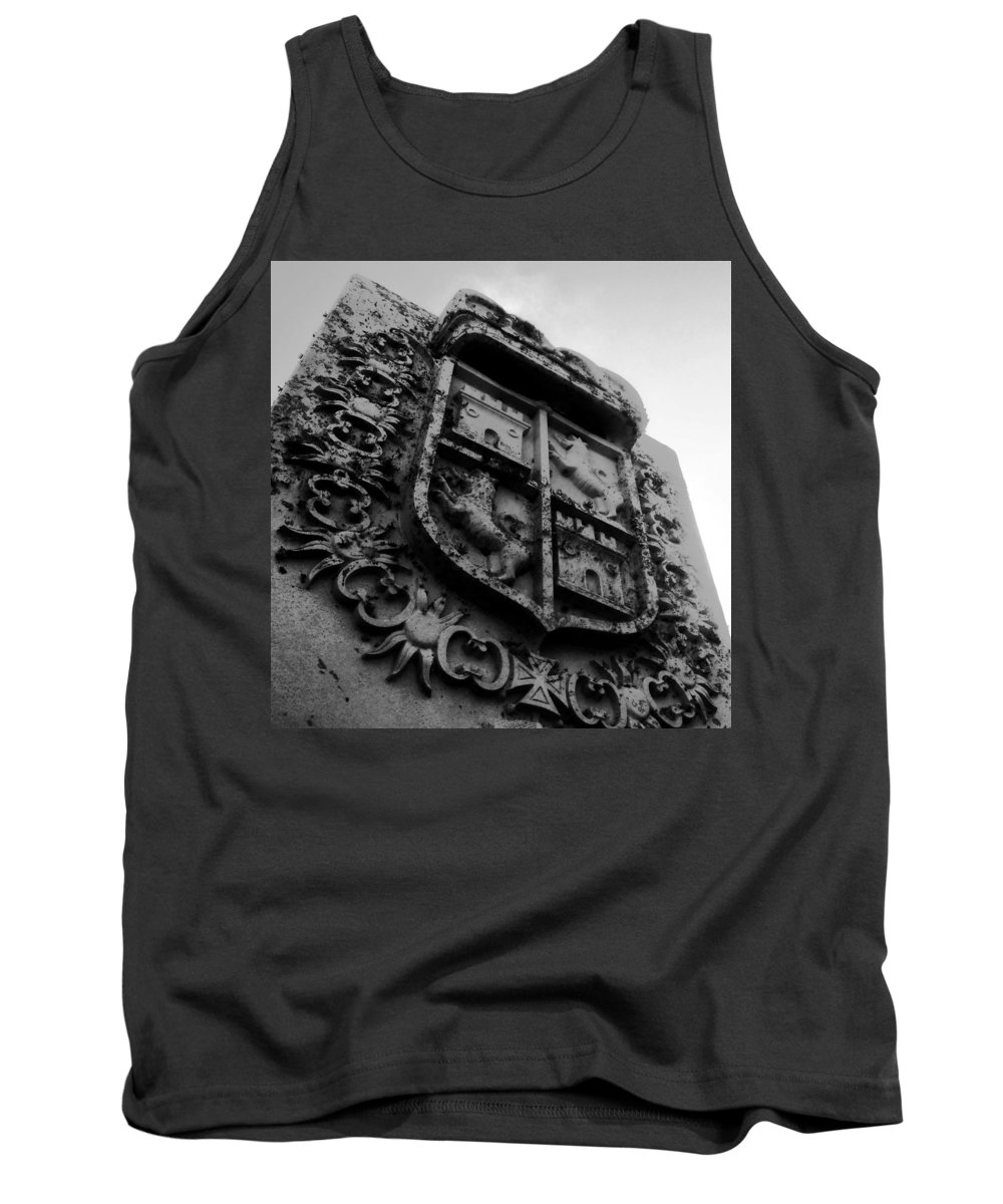 Crest Tank Top featuring the photograph The Kings Crest by David Lee Thompson