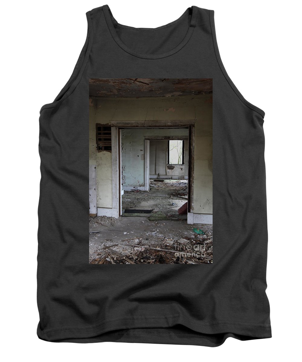 Old Houses Tank Top featuring the photograph Travel by Amanda Barcon