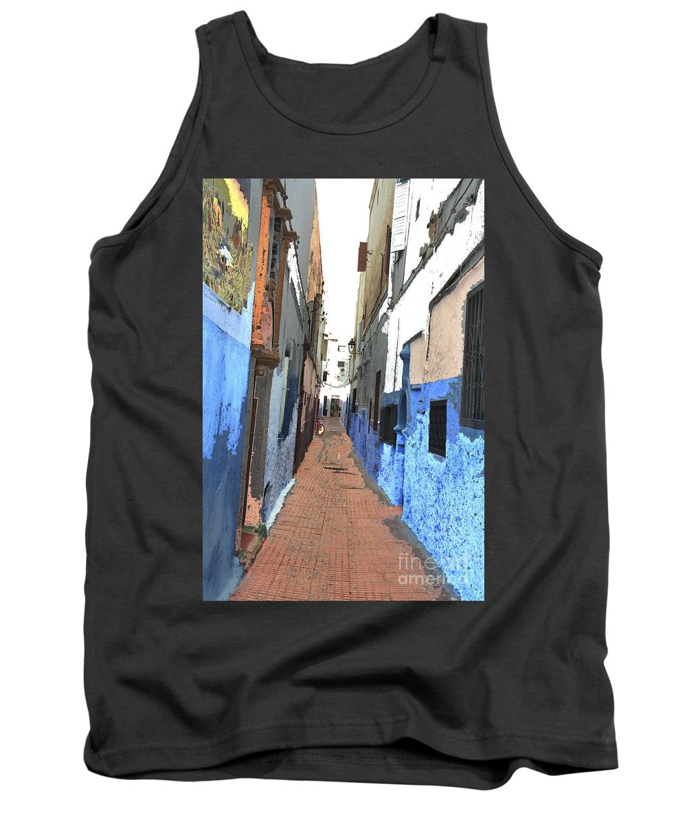 Urban Tank Top featuring the photograph Urban Scene by Hana Shalom