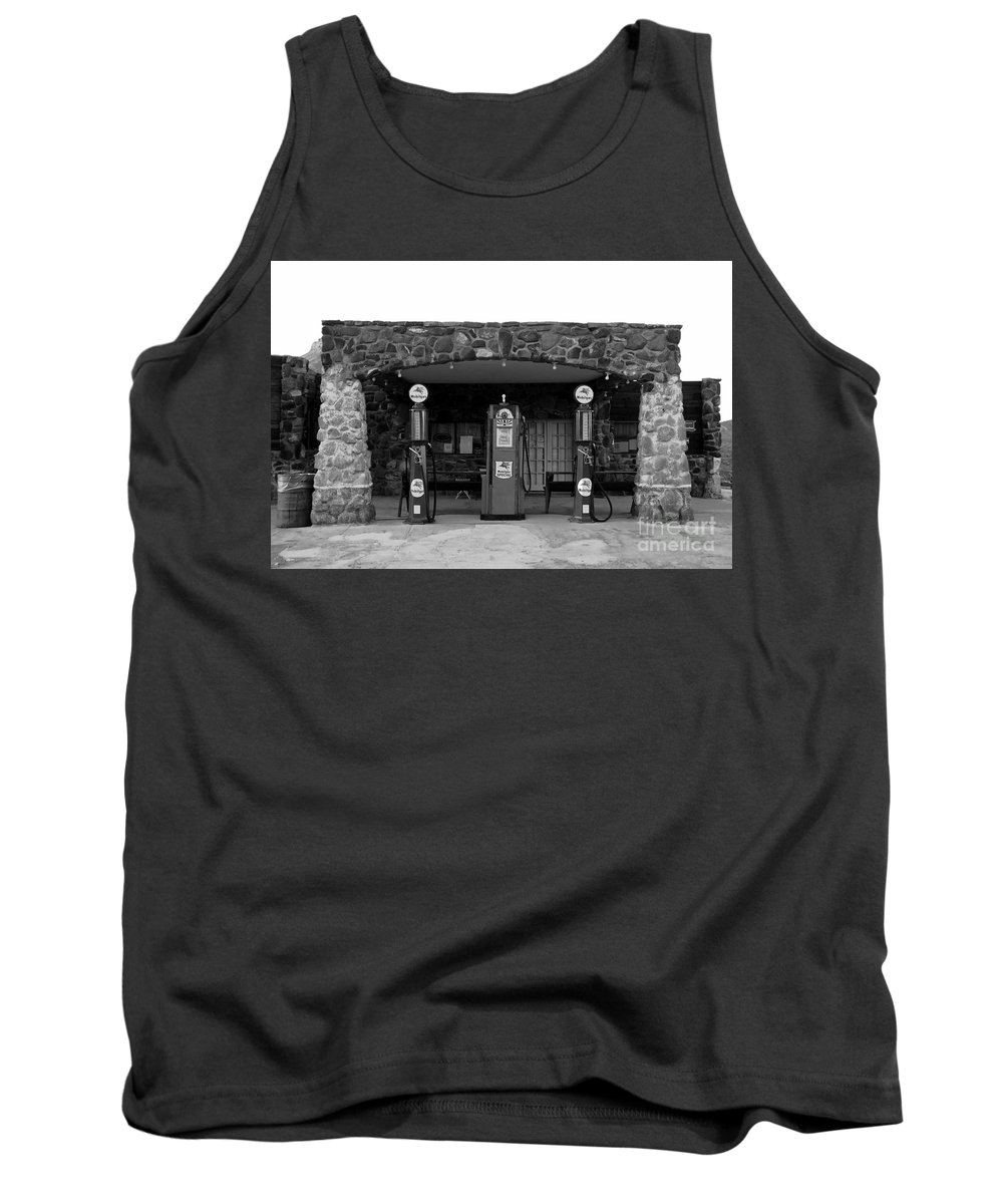 Route 66 Tank Top featuring the photograph Waiting For Business by David Lee Thompson