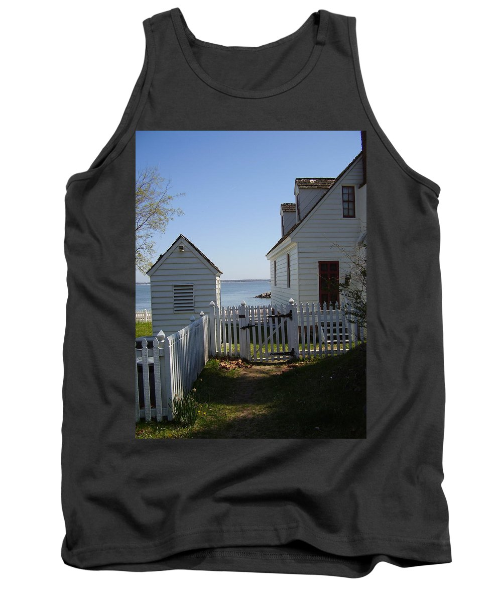Yorktown Tank Top featuring the photograph Yorktown by Flavia Westerwelle