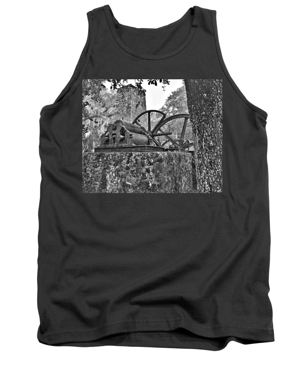 Yule Sugar Mills Ruins Tank Top featuring the photograph Yulee Sugar Mill Ruins Hrd by Mario Carta