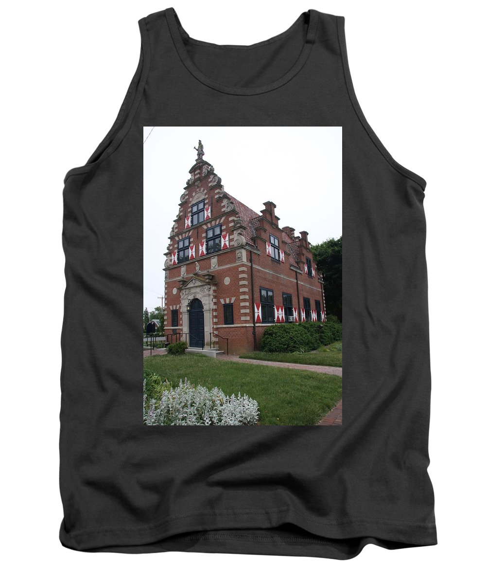 Dutch House Tank Top featuring the photograph Zwaanendael Museum by Christiane Schulze Art And Photography