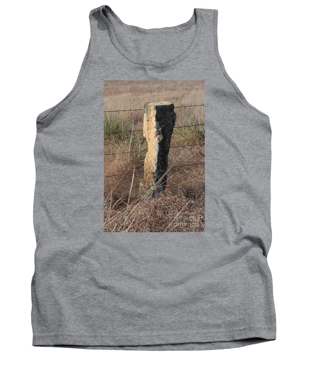 Limestone Tank Top featuring the photograph Kansas Country Limestone Fence Post Close Up With Grass by Robert D Brozek