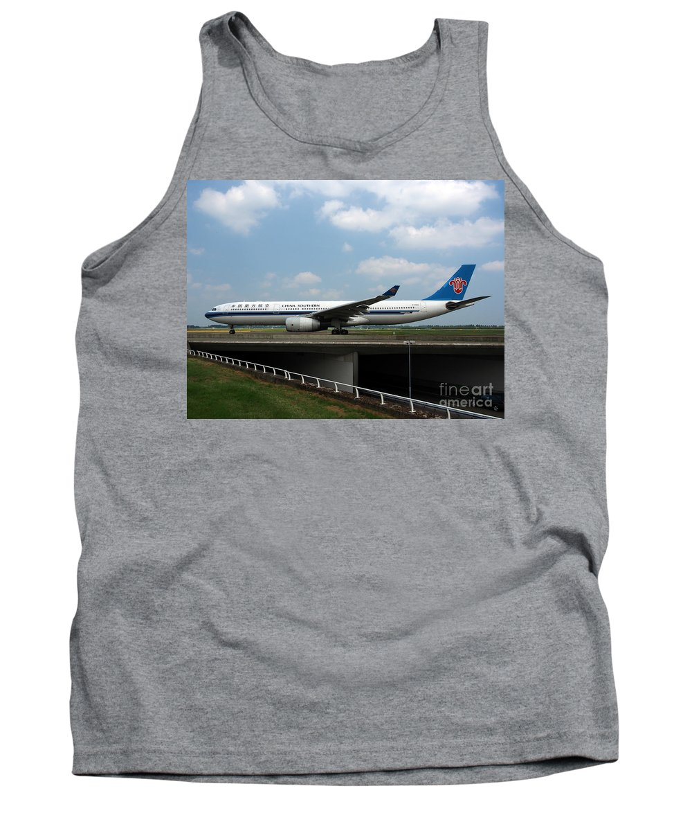 737 Tank Top featuring the photograph China Southern Airlines Airbus A330 by Paul Fearn