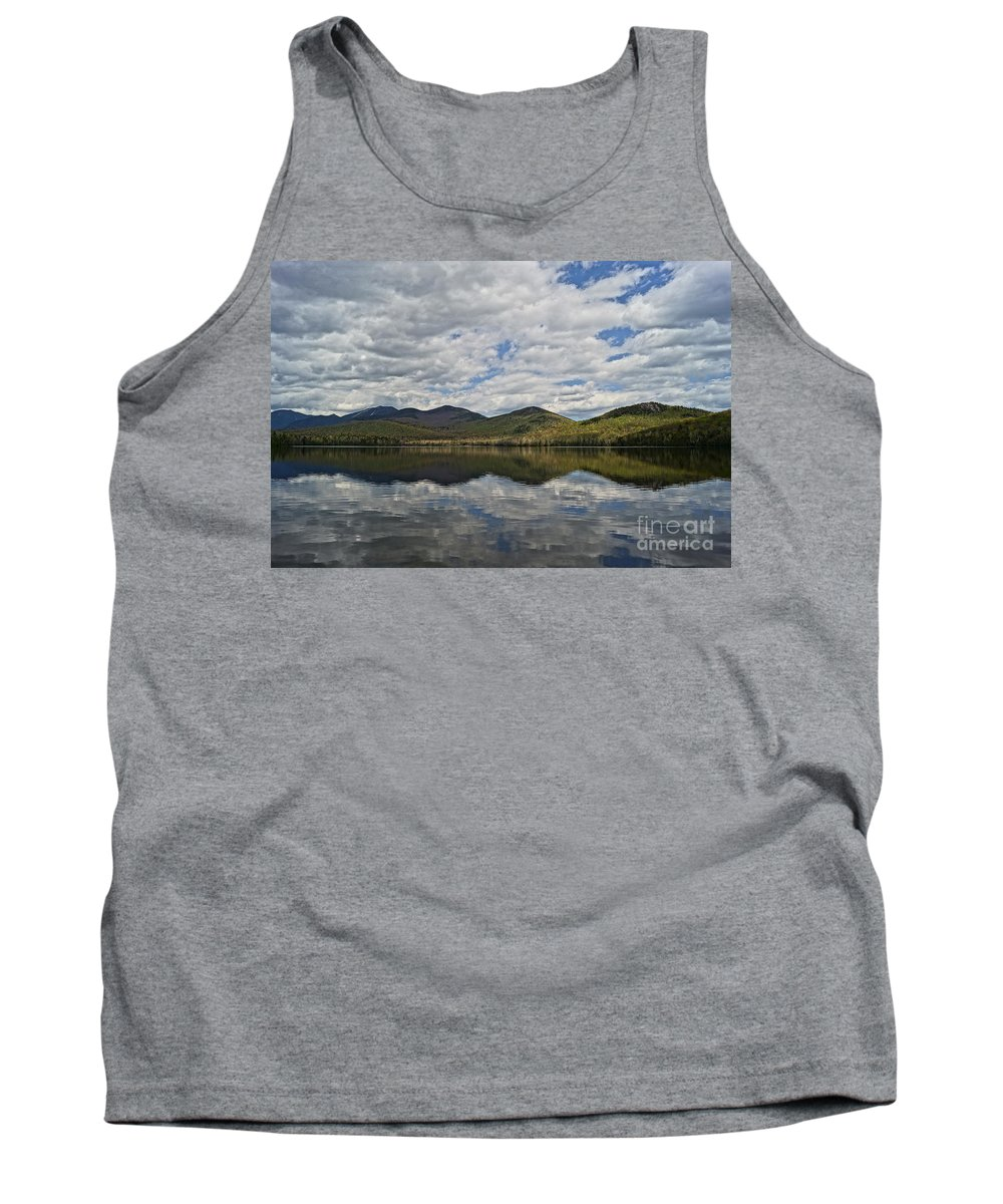 Lakes Tank Top featuring the photograph Elk Lake by Jeffery L Bowers