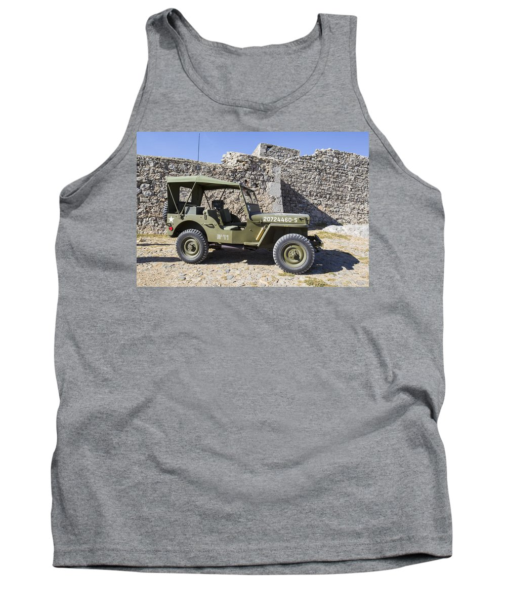Jeep Tank Top featuring the photograph Jeep Willys by Jose Bispo