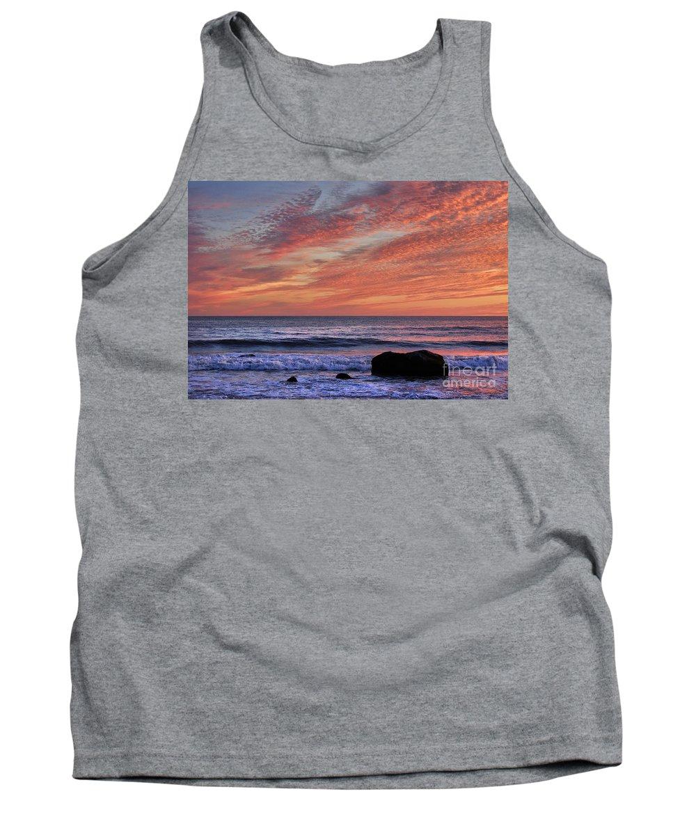Aquinnah Tank Top featuring the photograph Ocean Sunrise by John Greim