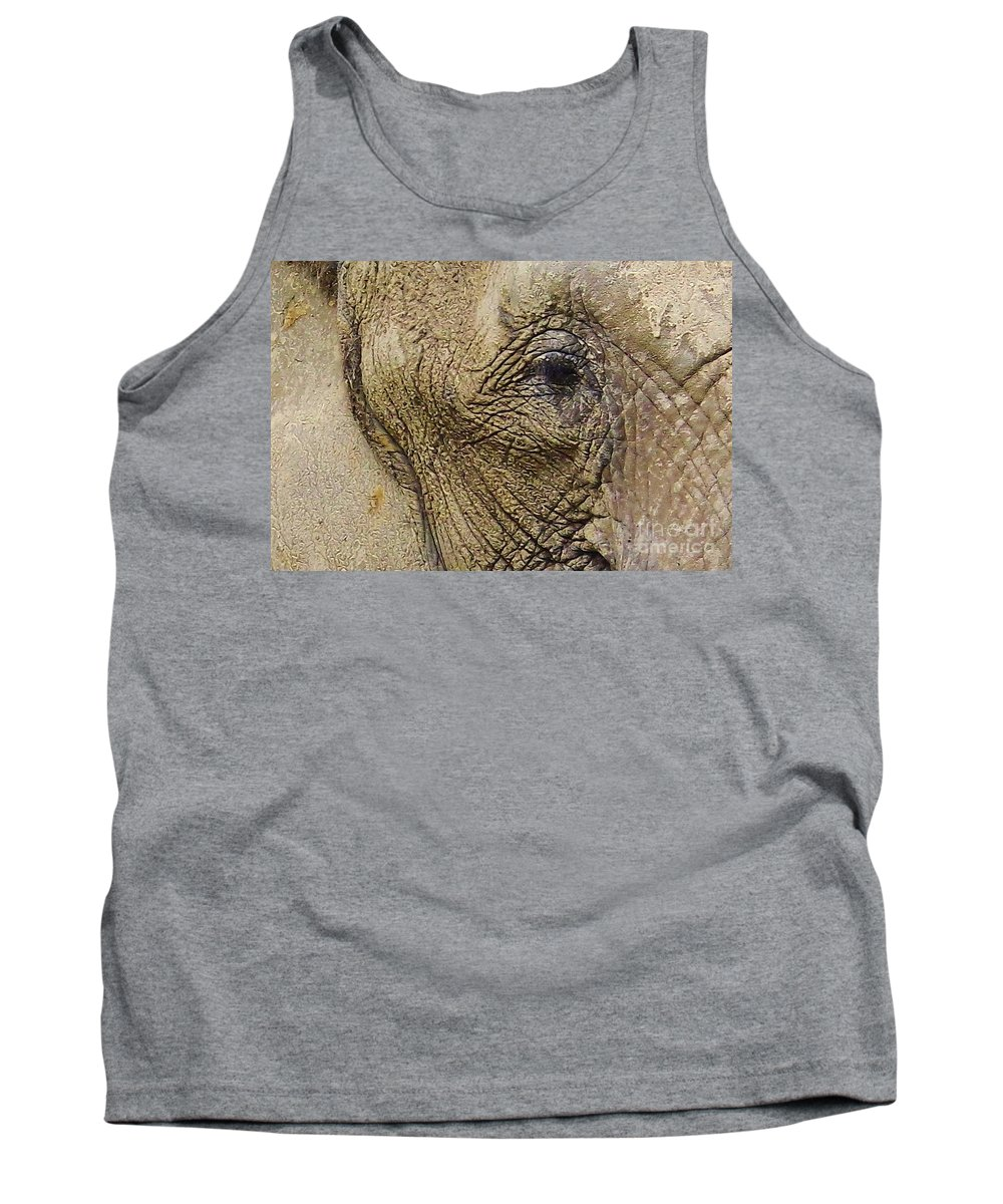 Elephant Tank Top featuring the photograph A Mothers Eye by D Hackett