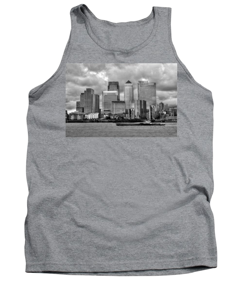 Canary Wharf Tank Top featuring the photograph Canary Wharf by Chris Day