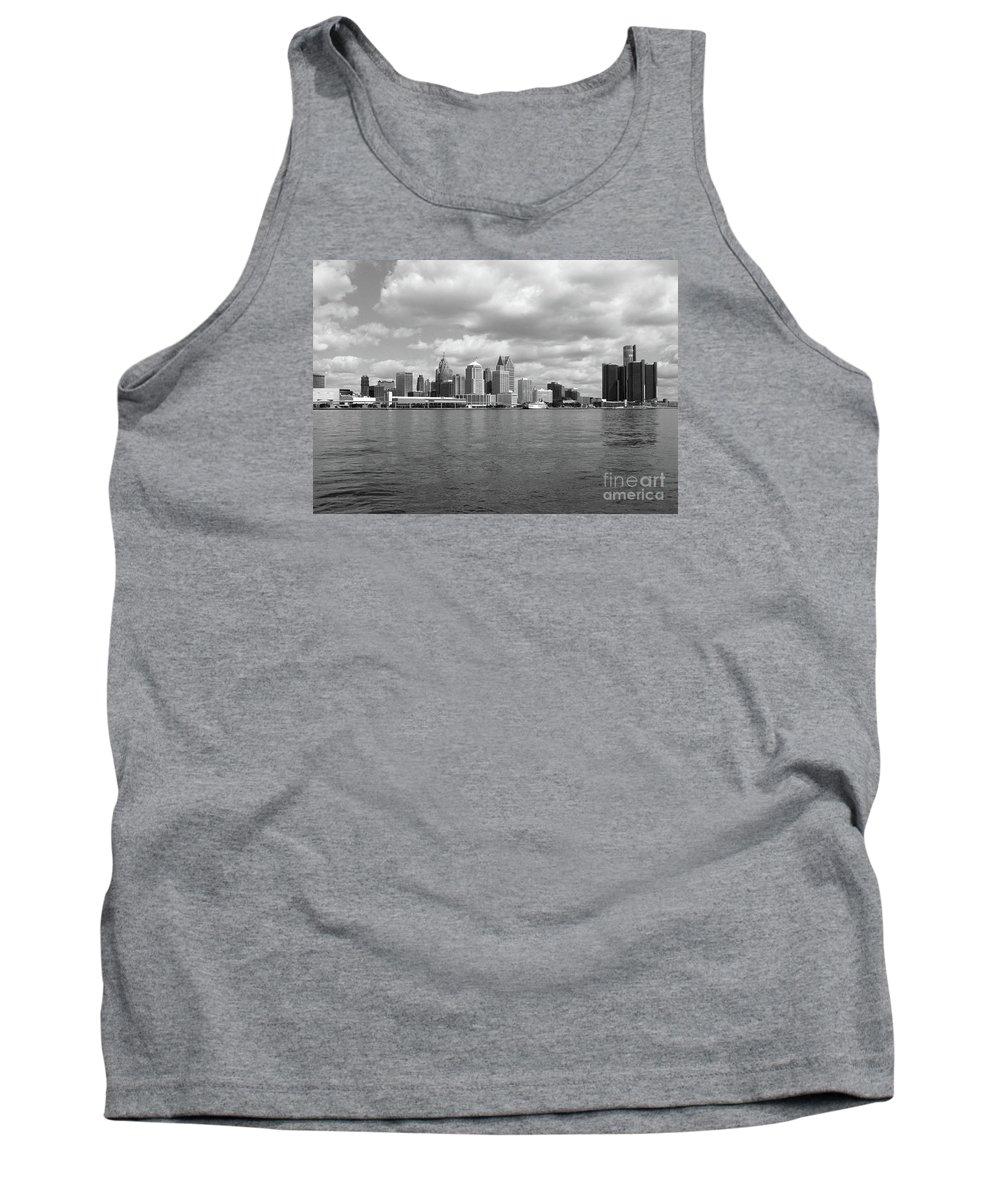 Detroit Tank Top featuring the photograph Detroit Skyline by Ann Horn