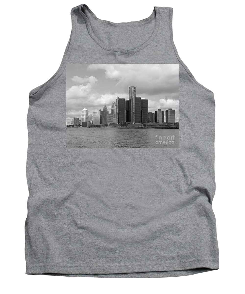 Detroit Tank Top featuring the photograph Detroit Skyscape by Ann Horn