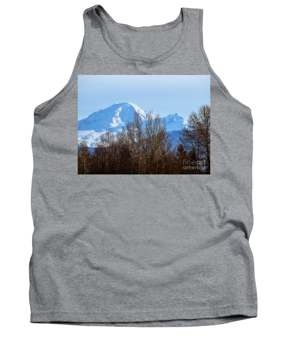 Mill Lake Tank Top featuring the photograph F2110924 by David Fabian