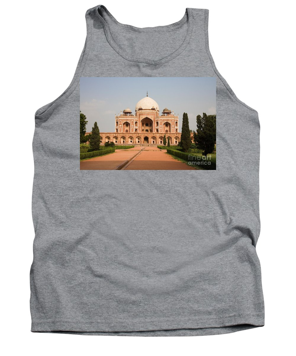 Landscape Tank Top featuring the photograph Humayuns Tomb by David Davis