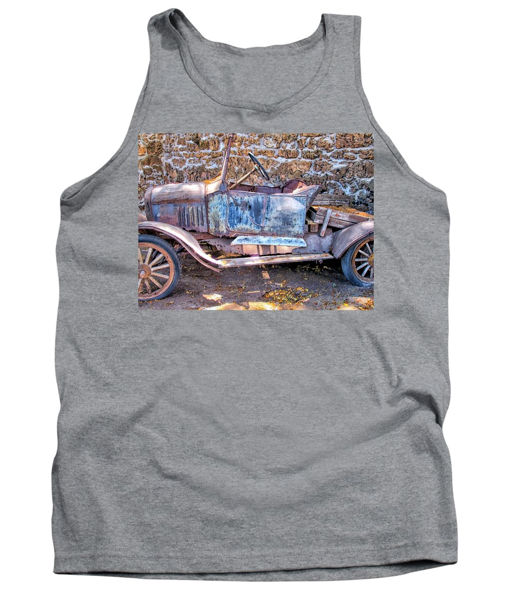 Hawaii Tank Top featuring the photograph Lahaina Prison 5 by Dawn Eshelman