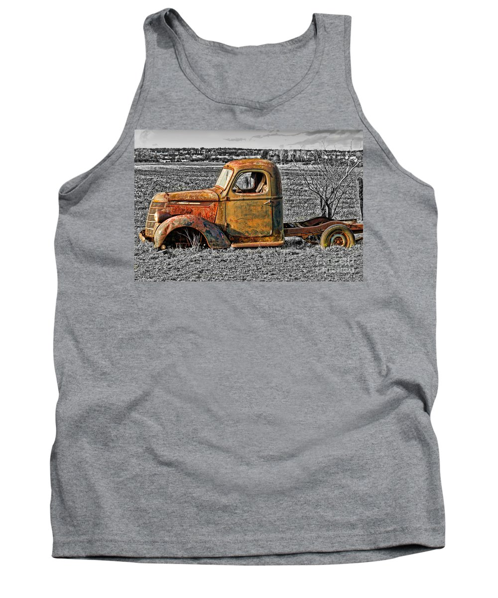 Old Trucks Tank Top featuring the photograph Missing Front Wheels by Randy Harris