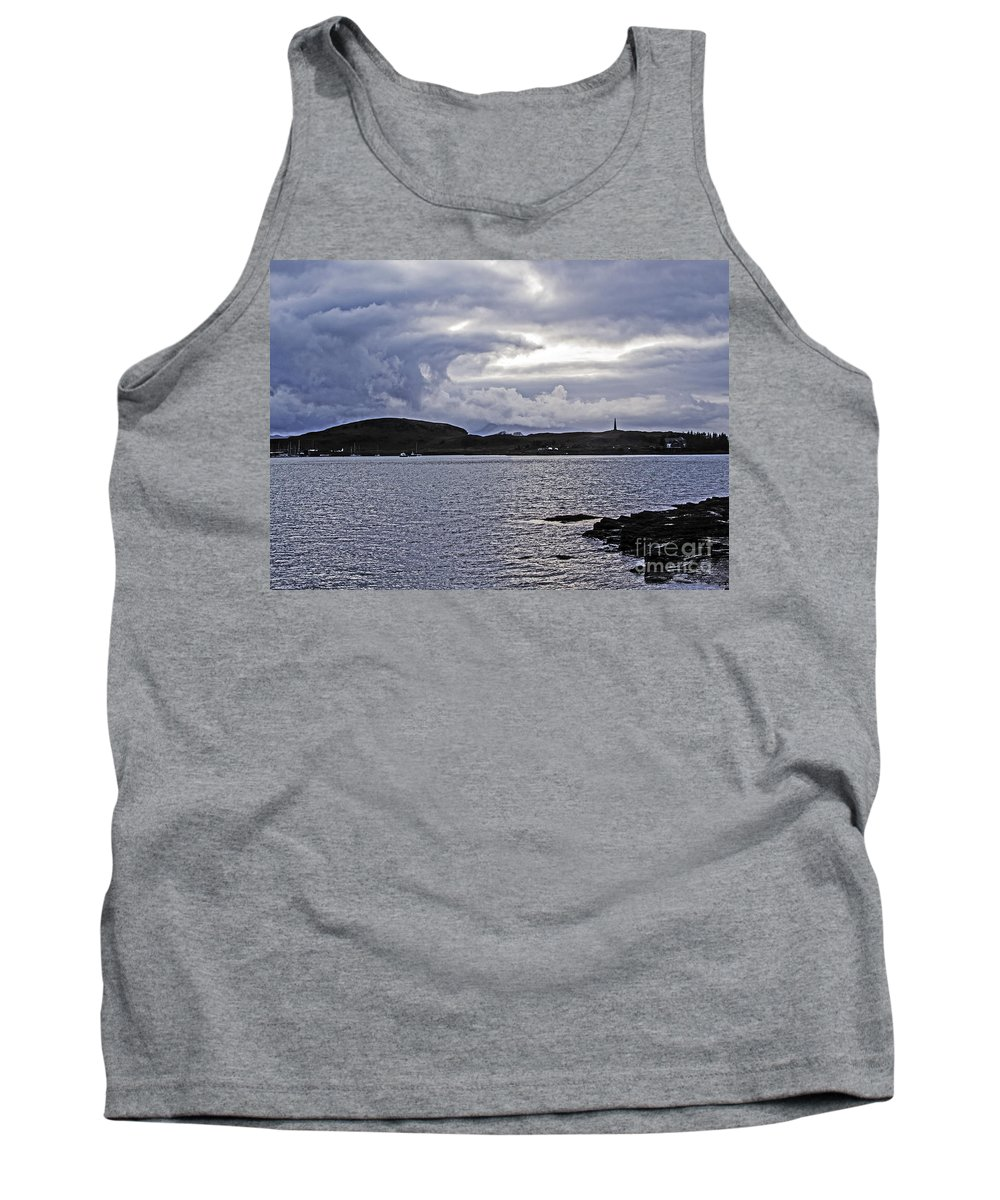 Travel Tank Top featuring the photograph Oban Bay Beauty by Elvis Vaughn
