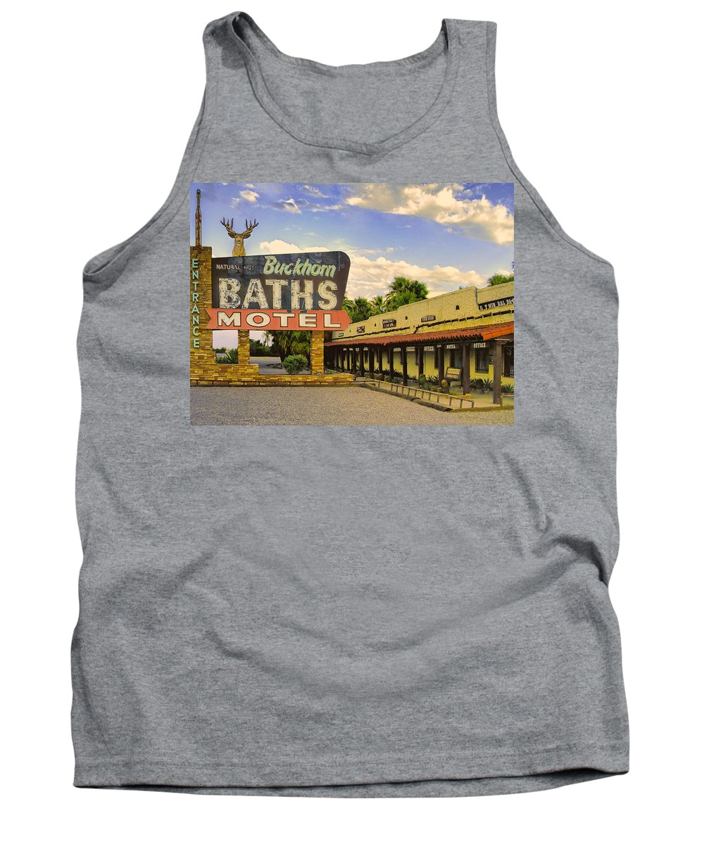 Spa Tank Top featuring the photograph Old Buckhorn Baths by Dominic Piperata