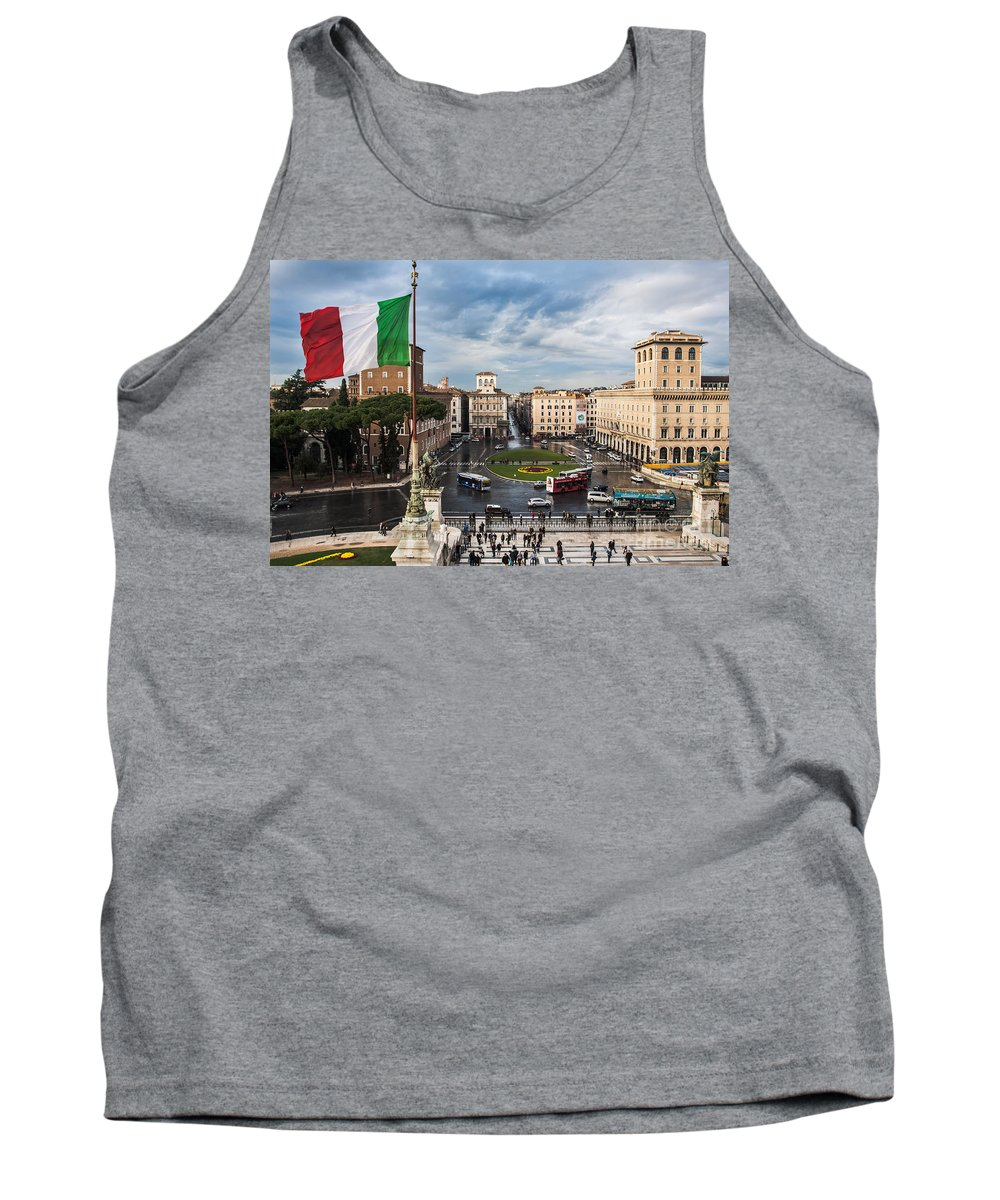 Europe Tank Top featuring the photograph Piazza Venezia by John Wadleigh
