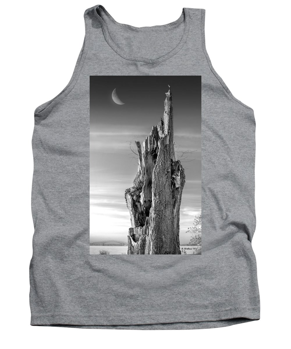 2d Tank Top featuring the photograph Pointing To The Heavens - Bw by Brian Wallace