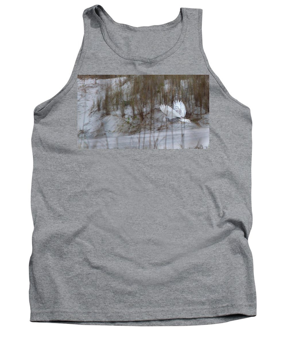 Snowy Owl Tank Top featuring the photograph Snowy Owl In Florida 12 by David Beebe