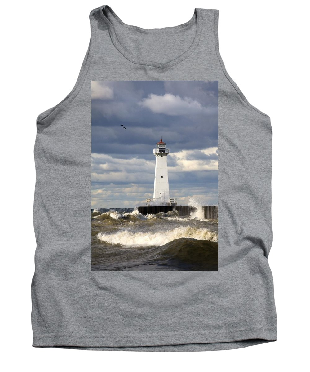 Building Exterior Tank Top featuring the photograph Sodus Outer Lighthouse On Stormy Lake by Richard Cummins