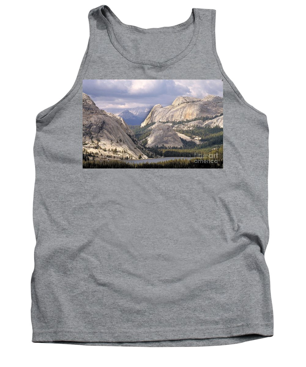 Tenaya Lake Tank Top featuring the photograph Tenaya Lake Yosemite by Chuck Spang