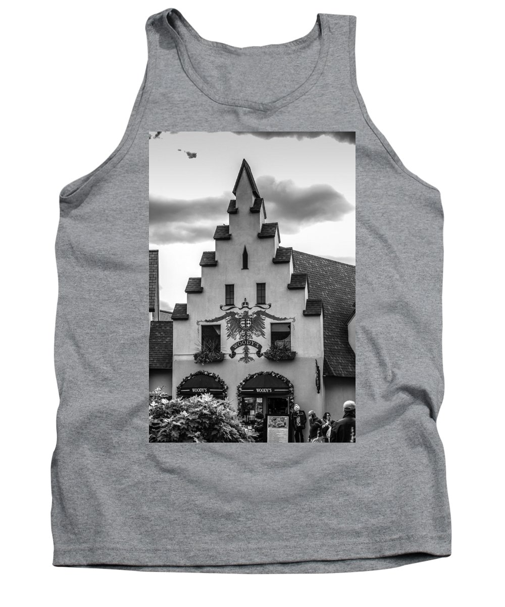 Woody's Tank Top featuring the photograph Woody's Of Frankenmuth by Sheri Bartoszek