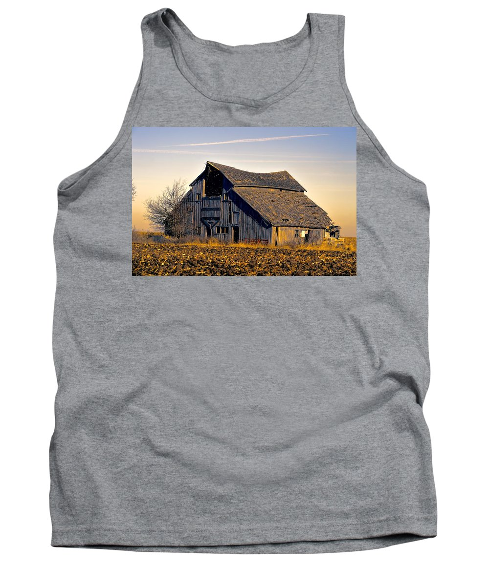 Rustic Tank Top featuring the photograph Yarrow Ave Barn 2 by Bonfire Photography