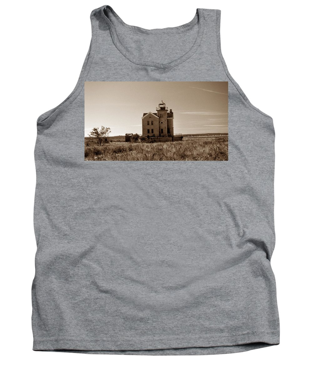 Ny Tank Top featuring the photograph Cedar Island Lighthouse by Skip Willits
