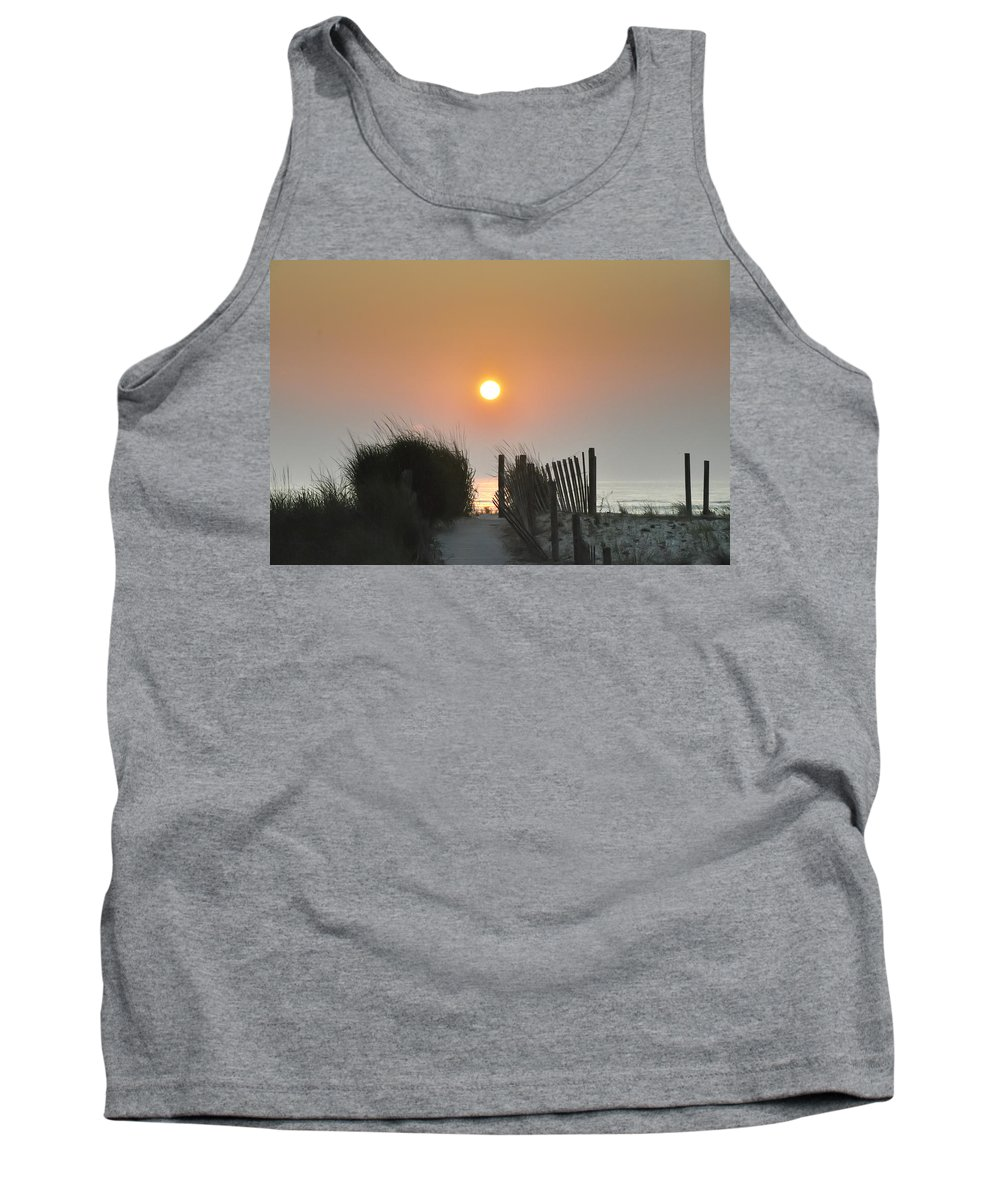 Sunrise Tank Top featuring the photograph Come Greet The Sunrise by Bill Cannon