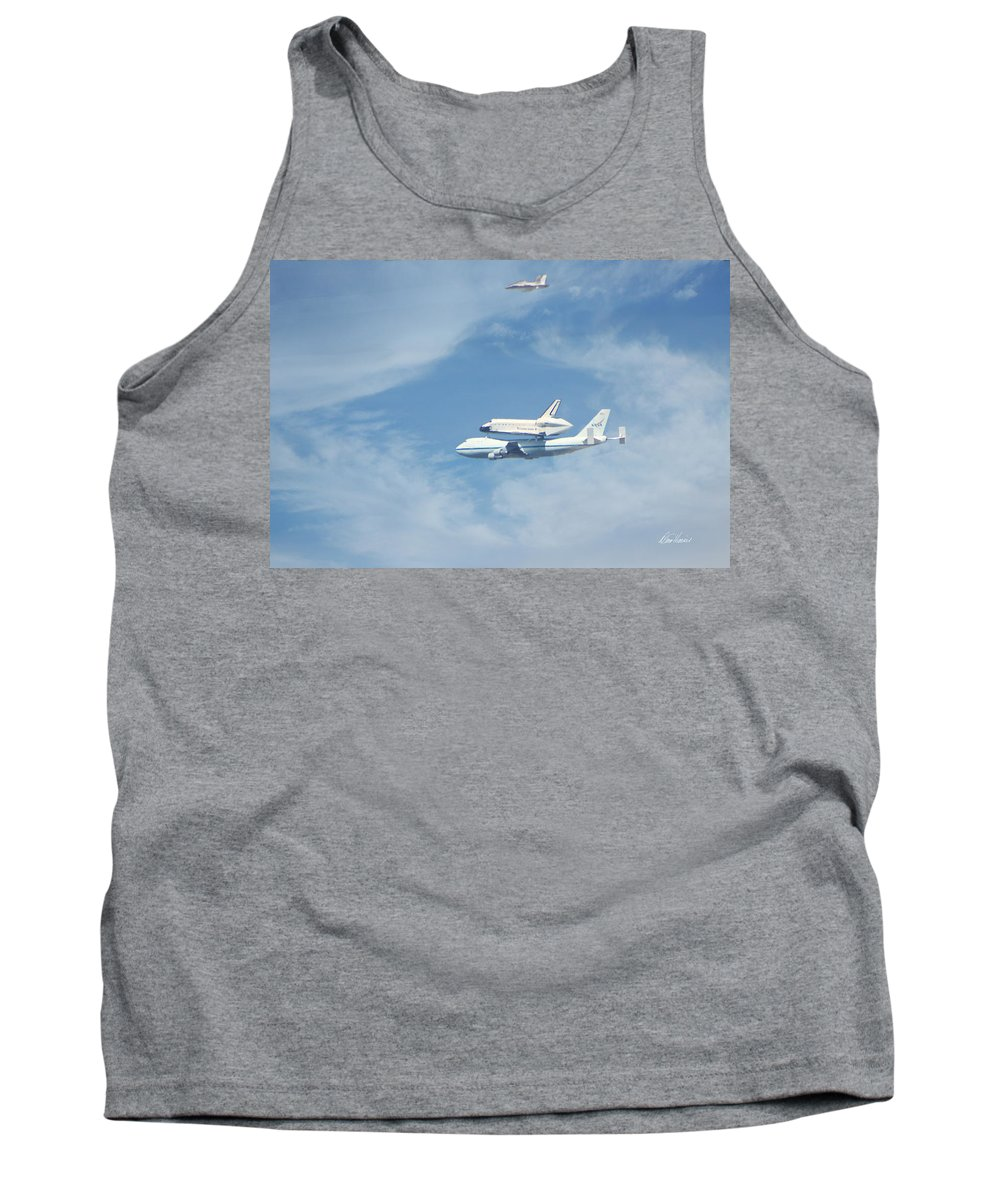 Endeavour Tank Top featuring the photograph Endeavour's Final Flight by Diana Haronis
