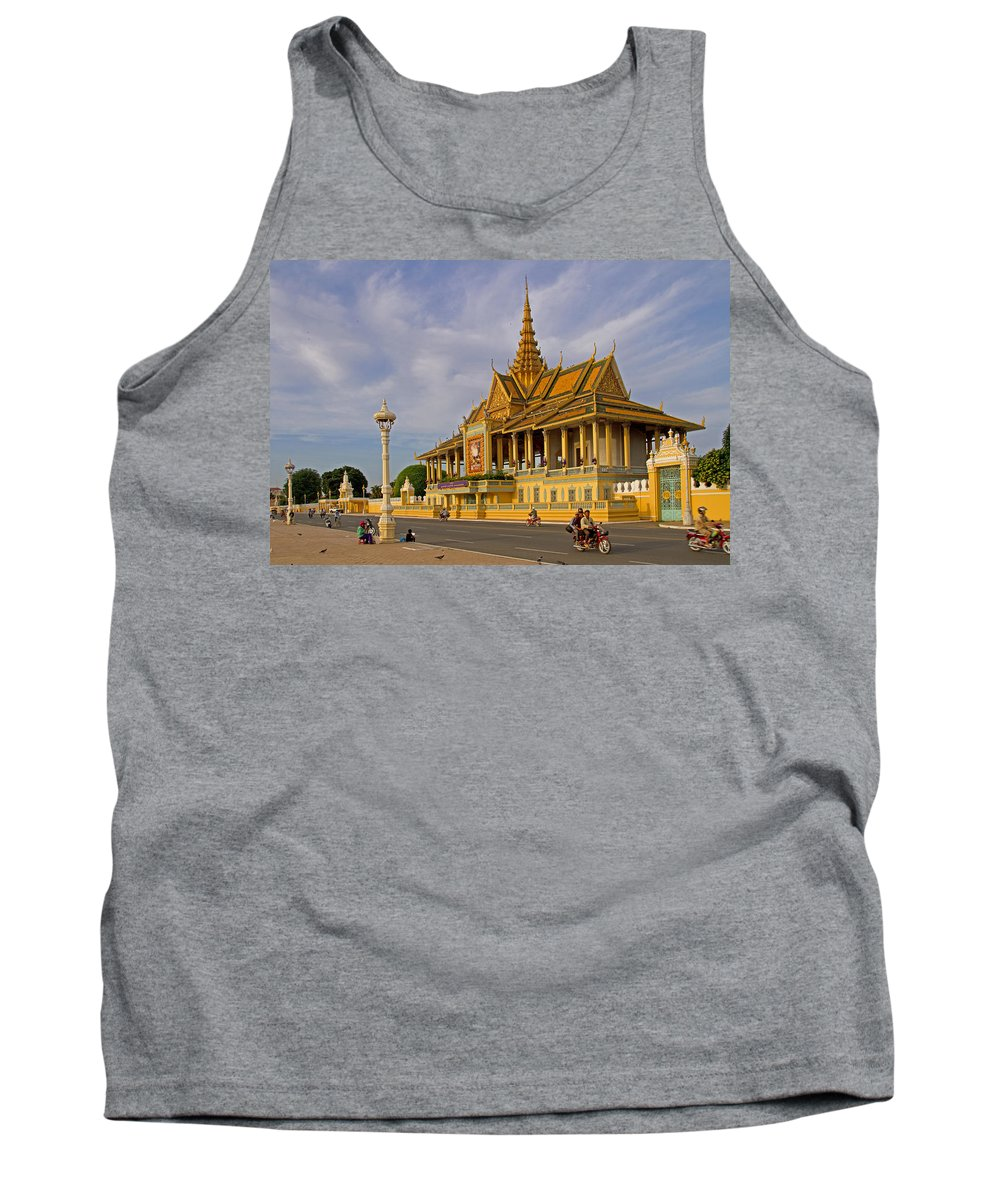 Asia Tank Top featuring the photograph Royal Palace by David Freuthal