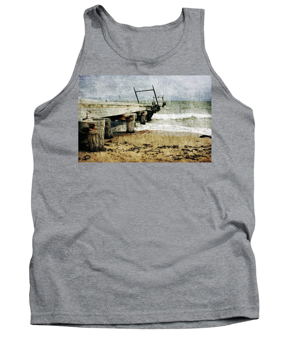 Beach Tank Top featuring the photograph Soul Reaver by Andrew Paranavitana