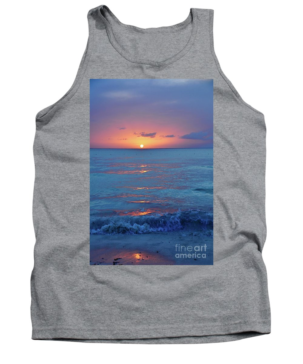 Beach Tank Top featuring the photograph A Perfect Finish by Valerie Rosen
