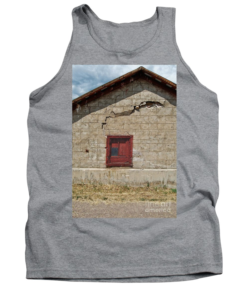 Barn Tank Top featuring the photograph Abandoned Barn by Merrimon Crawford
