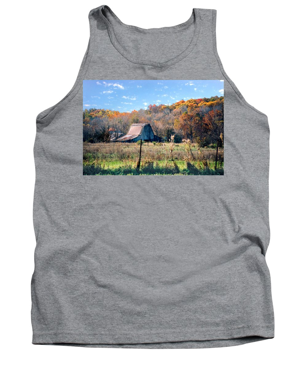Landscape Tank Top featuring the photograph Barn In Liberty Mo by Steve Karol