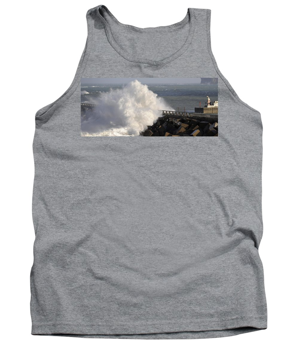 Spain Tank Top featuring the photograph Big Wave by Rafa Rivas