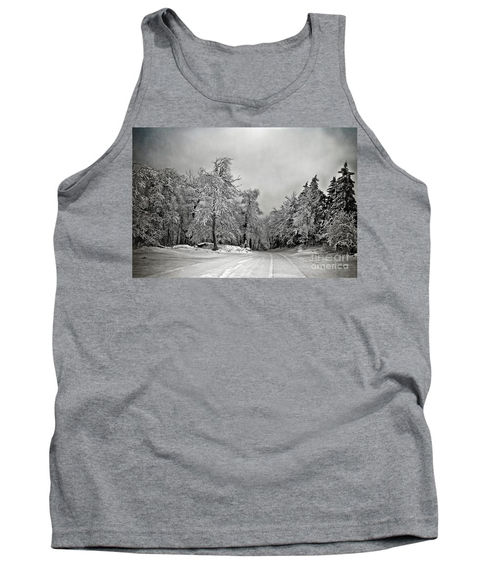 Snow Tank Top featuring the photograph Break In The Storm by Lois Bryan