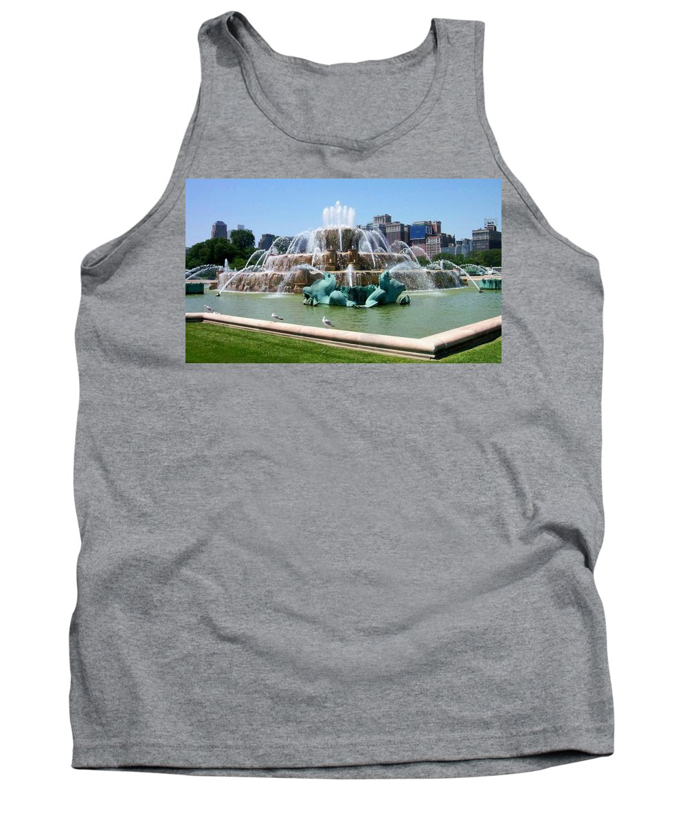 Chicago Tank Top featuring the photograph Buckingham Fountain by Anita Burgermeister