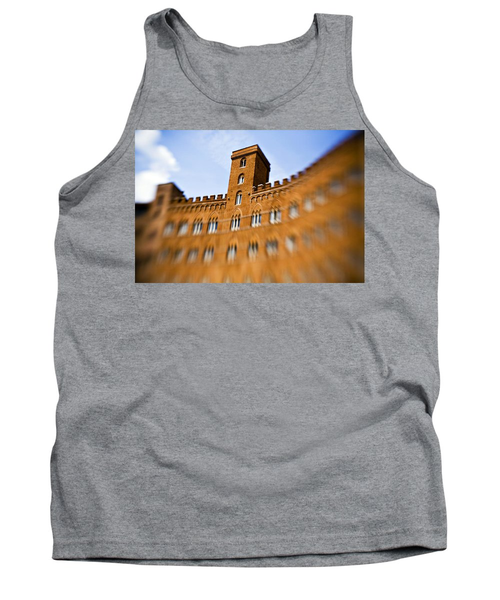 Piazza Del Campo Tank Top featuring the photograph Campo Of Siena Tuscany Italy by Marilyn Hunt