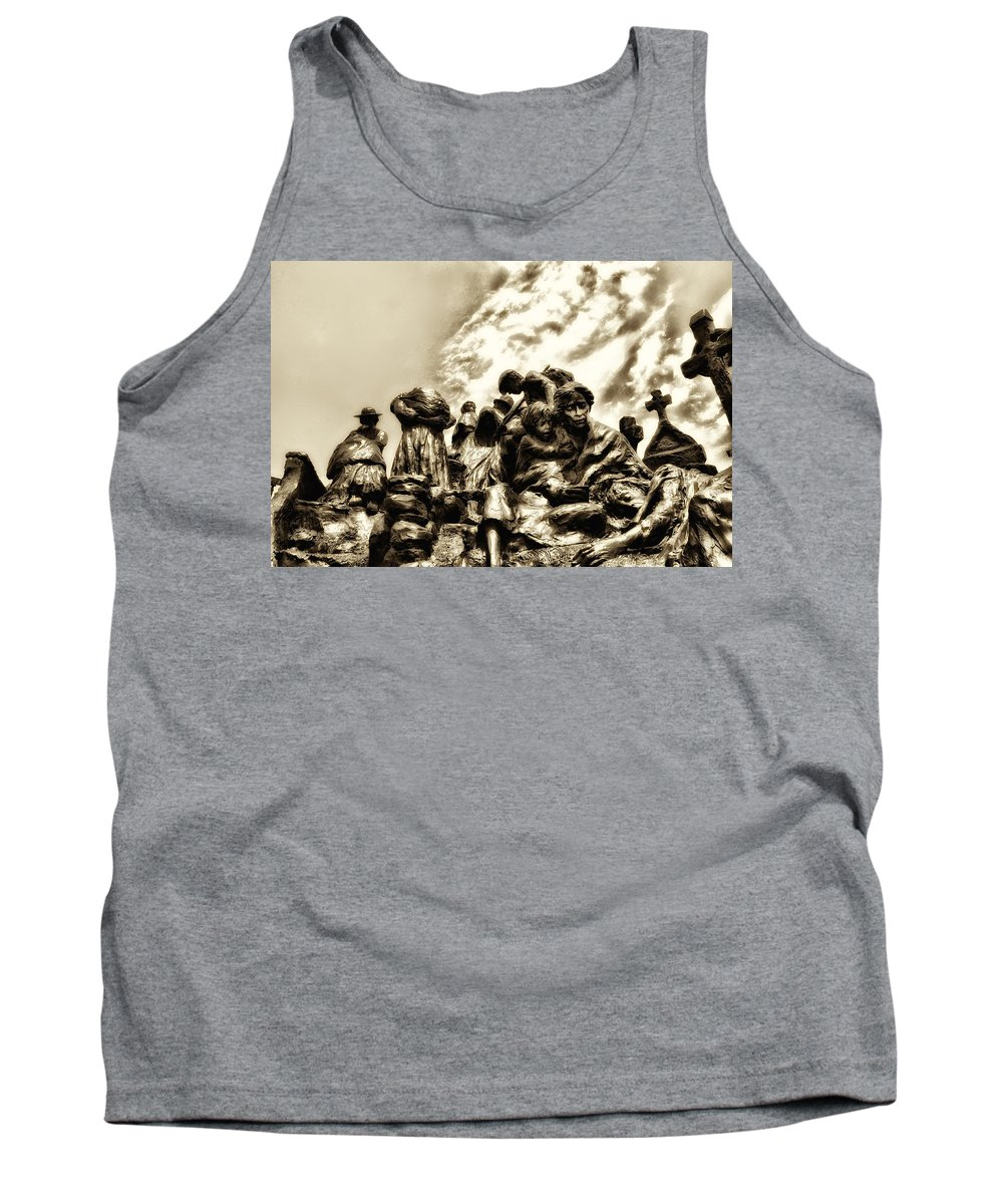 Philadelphia Tank Top featuring the photograph Death In The Time Of The Irish Famine by Bill Cannon