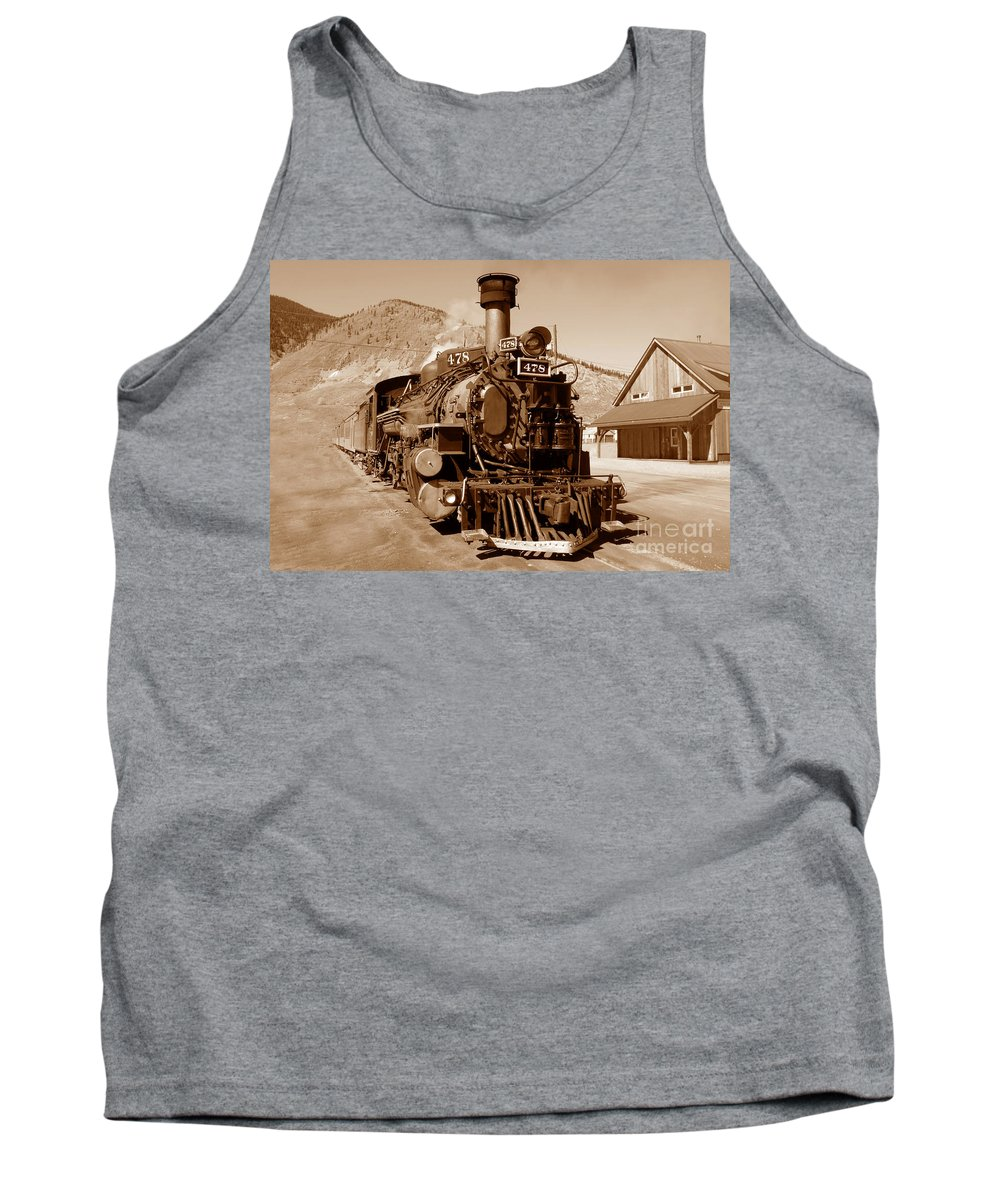 Train Tank Top featuring the photograph Engine Number 478 by David Lee Thompson