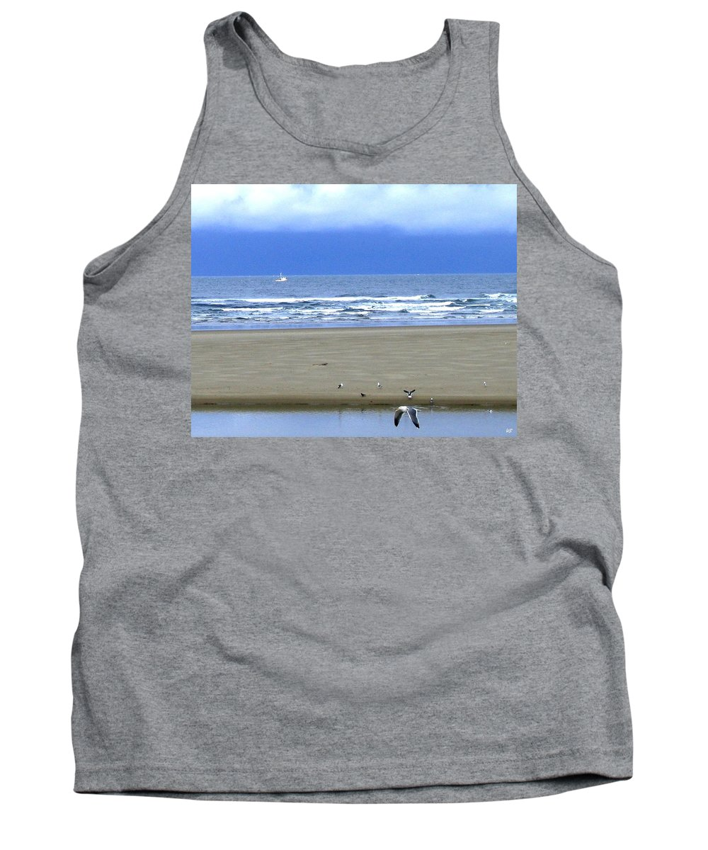 Seagull Tank Top featuring the photograph Flaps Down by Will Borden