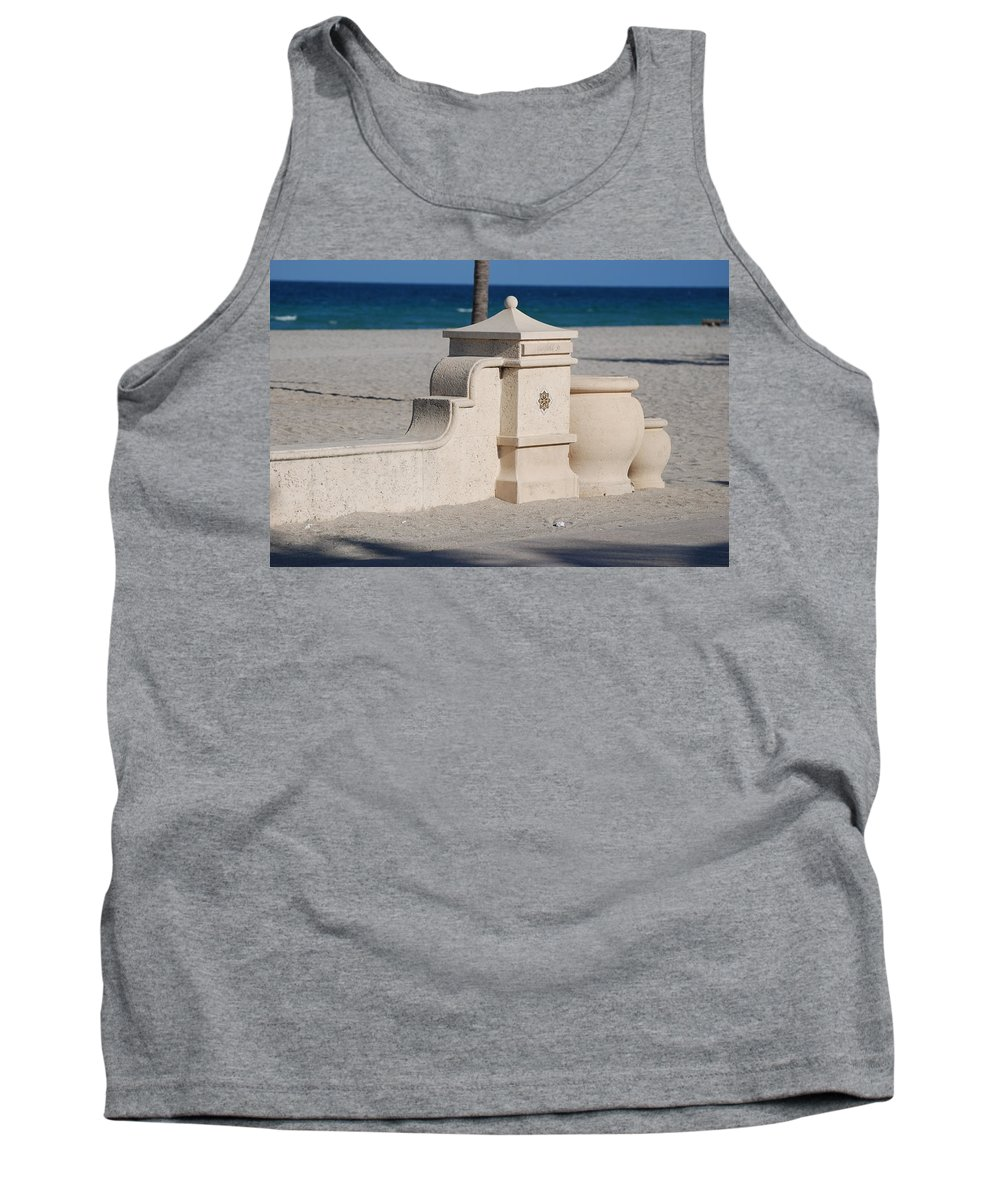 Beach Tank Top featuring the photograph Hollywood Beach by Rob Hans