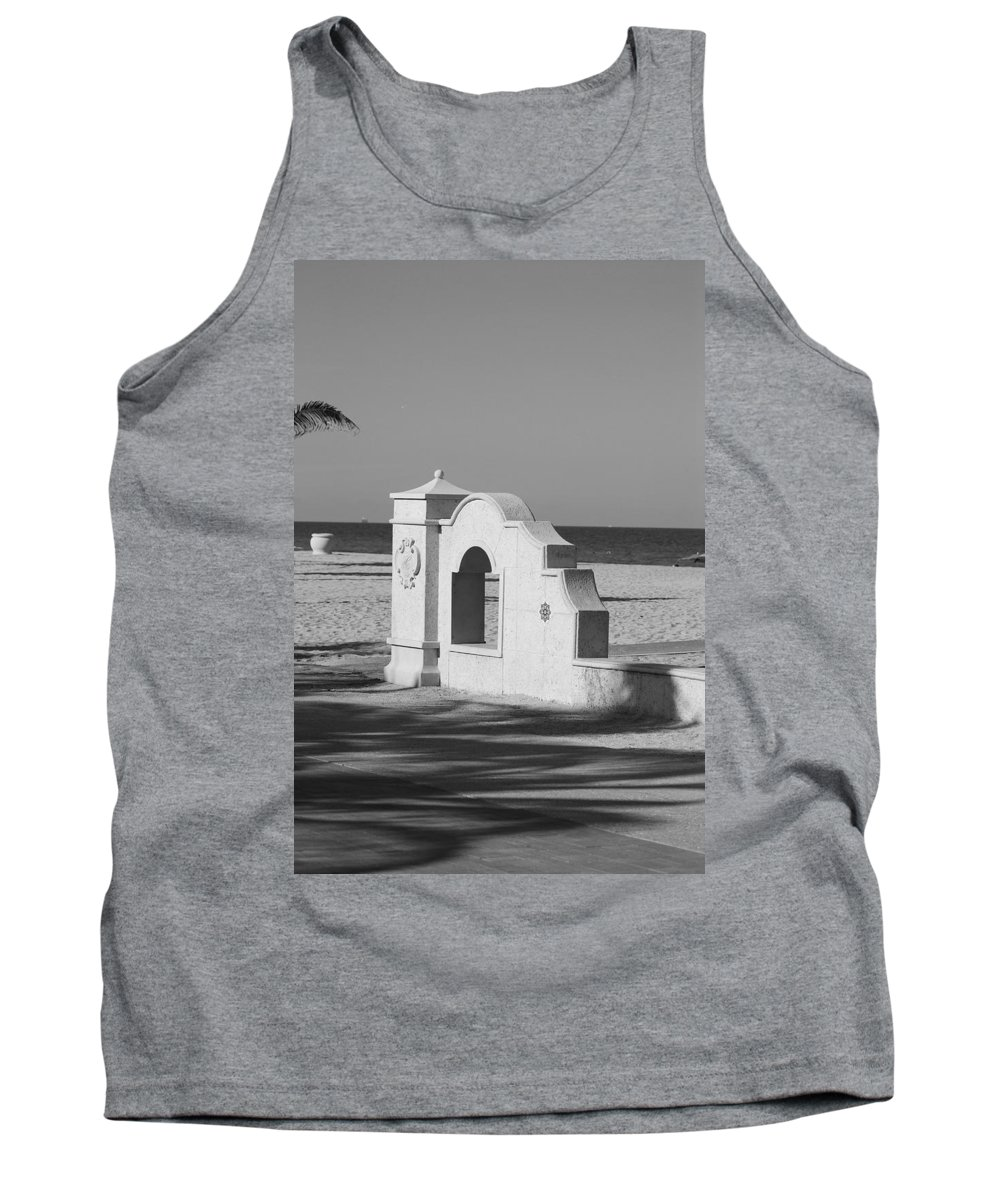 Black And White Tank Top featuring the photograph Hollywood Beach Wall by Rob Hans